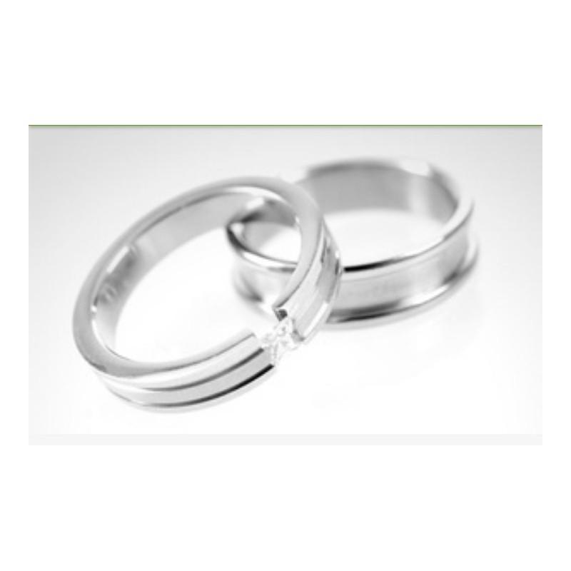 1fe38e48e28f Argollas de matrimonio en oro blanco modelo Toda la Vida con diamante de 10  puntos ...