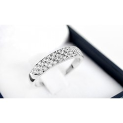 Anillo de compromiso modelo cintillo reina en oro blanco de 18K con Diamantes