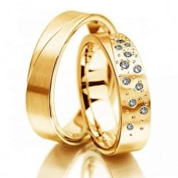 Argollas Planas en Oro Modelo Juntos con cristales