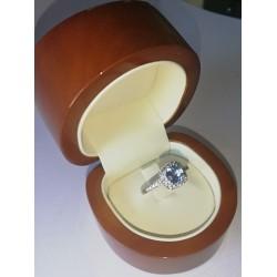 Anillo Compromiso Princesa   Anastasia    Oro Blanco  y Diamantes