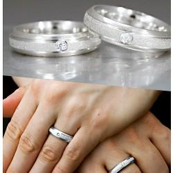 Argollas Plata Satinado con Piedras ambos anillos